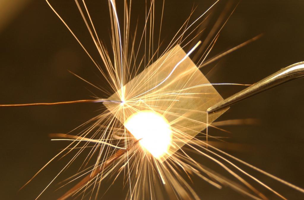 Nonofoil with spark